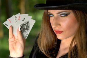 Caribbean Poker på online casinoer