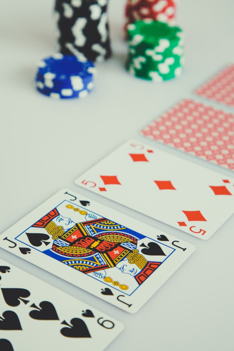 Blackjack kort og jetoner